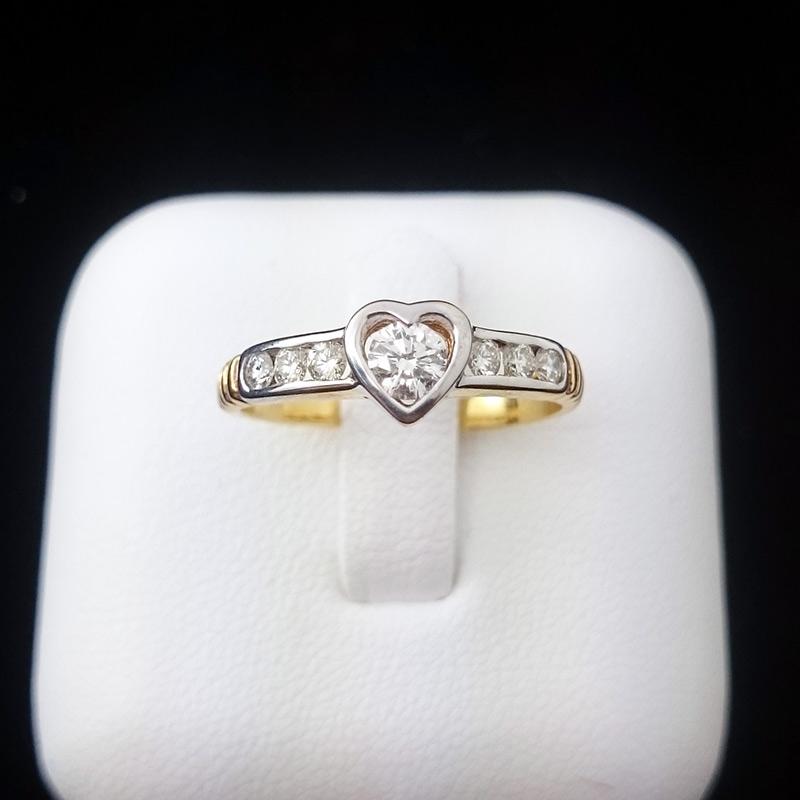 แหวนทอง เพชรรูปหัวใจ