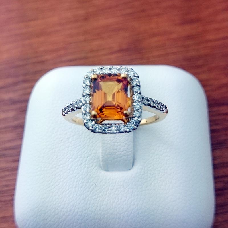 แหวนทอง บุษราคัมล้อมเพชร ทรงเหลี่ยม