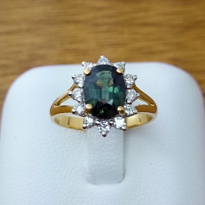 แหวนทอง พลอยมรกตล้อมเพชร