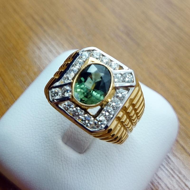 แหวนทอง พลอยมรกต ล้อมเพชร (ผู้ชาย)