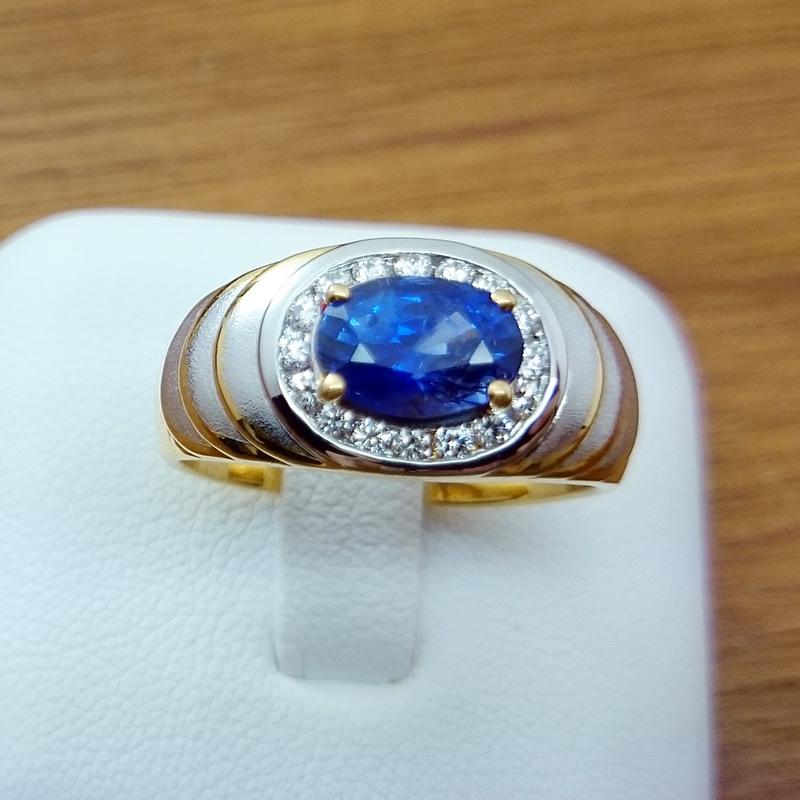 แหวนทอง ไพลินล้อมเพชร ชุบทองคำขาว