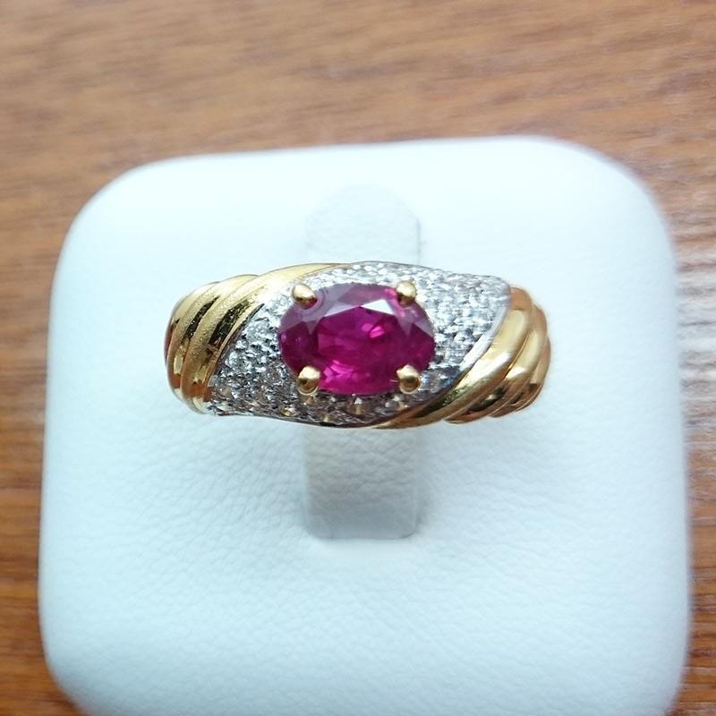 แหวนทอง พลอยทับทิม