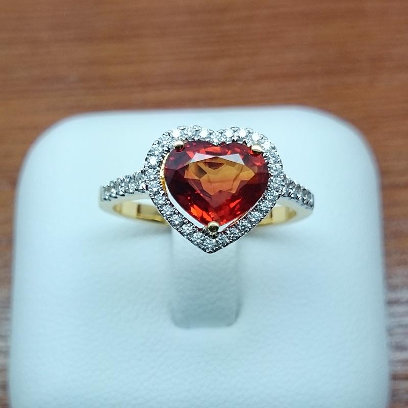 แหวนทอง บุษราคัม (บางกระจะ)รูปหัวใจ ล้อมเพชร